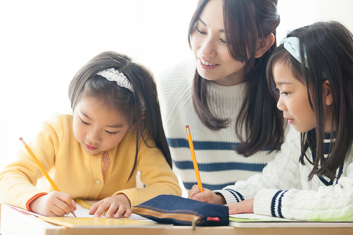 chiropractic admissions essay Other scholarships completed application and essay community and chiropractic profession submit an essay on specific topic as noted on the application.